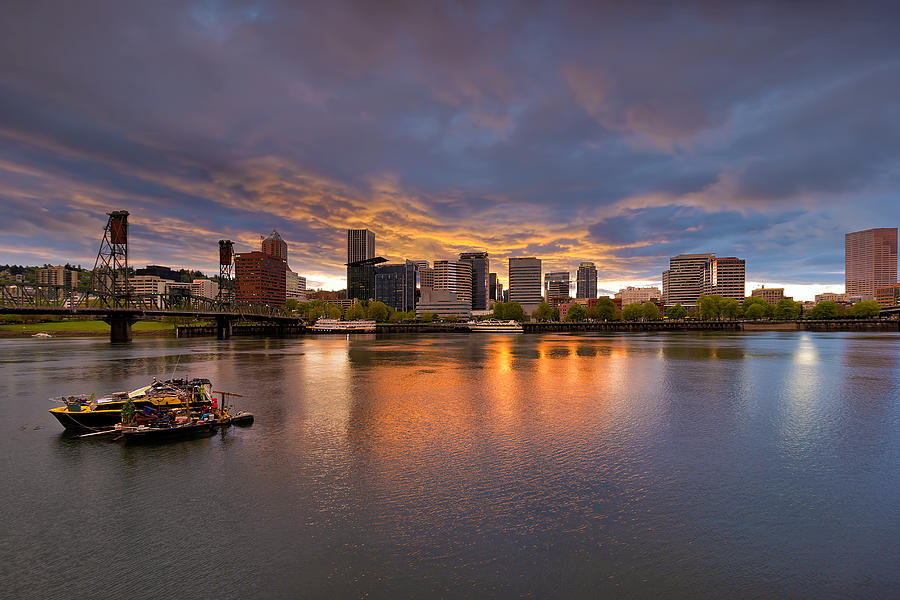House Photograph - Living On The Willamette River by David Gn
