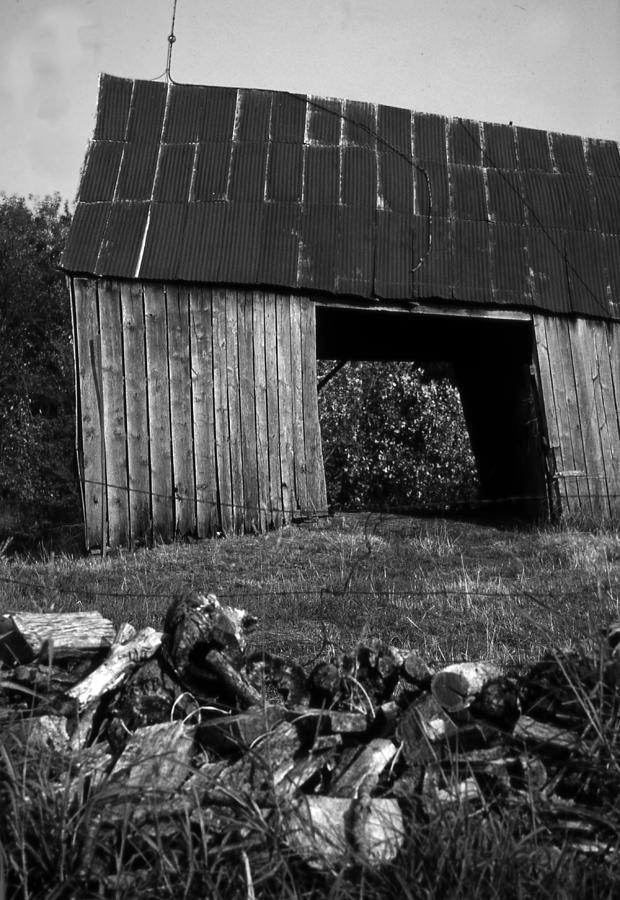 Vintage Photograph - lloyd-shanks-barn-2BW by Curtis J Neeley Jr