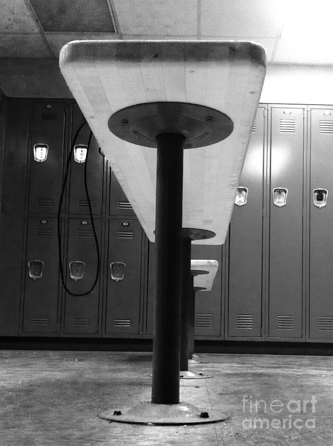 Locker room bench  by WaLdEmAr BoRrErO