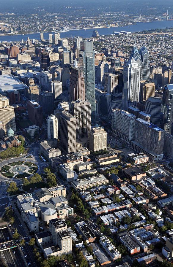 Philadelphia Photograph - Logan Square Philadelphia by Duncan Pearson