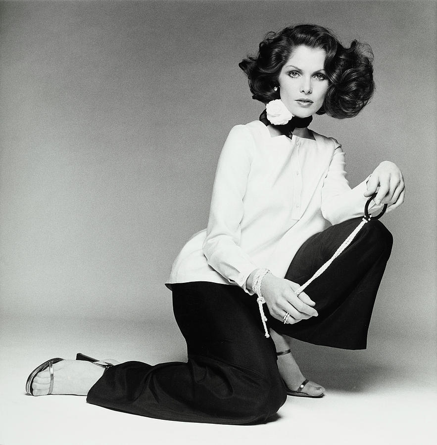 picture Lois Chiles