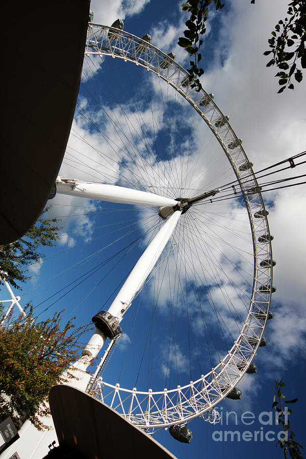 London Ferris Wheel by Agusti Pardo Rossello