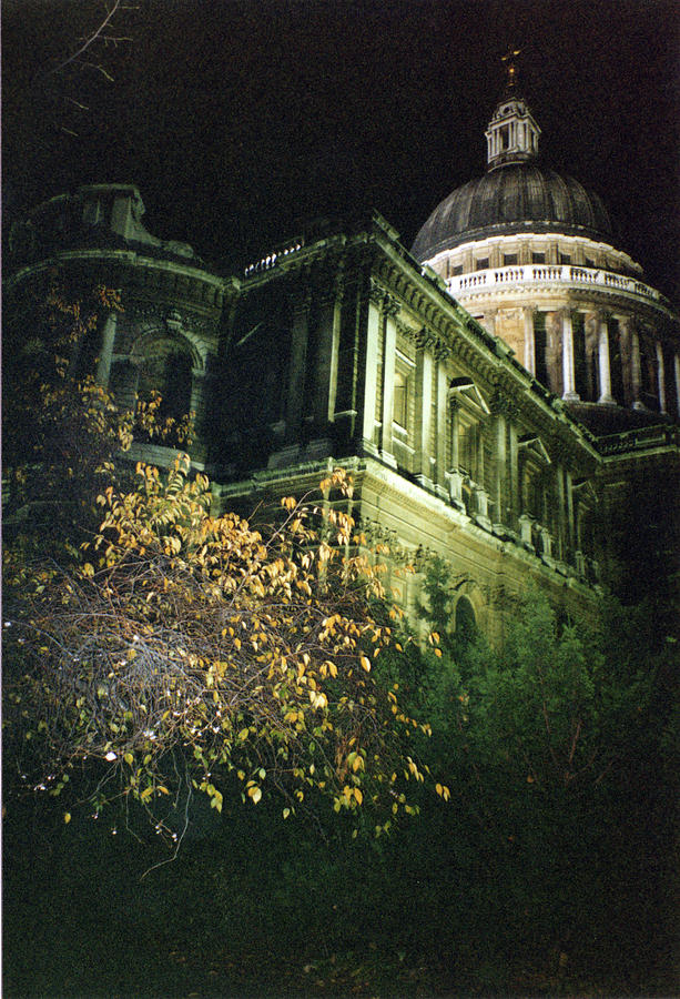 London Saint Pauls Cathedral 2 1996 by Erik Paul