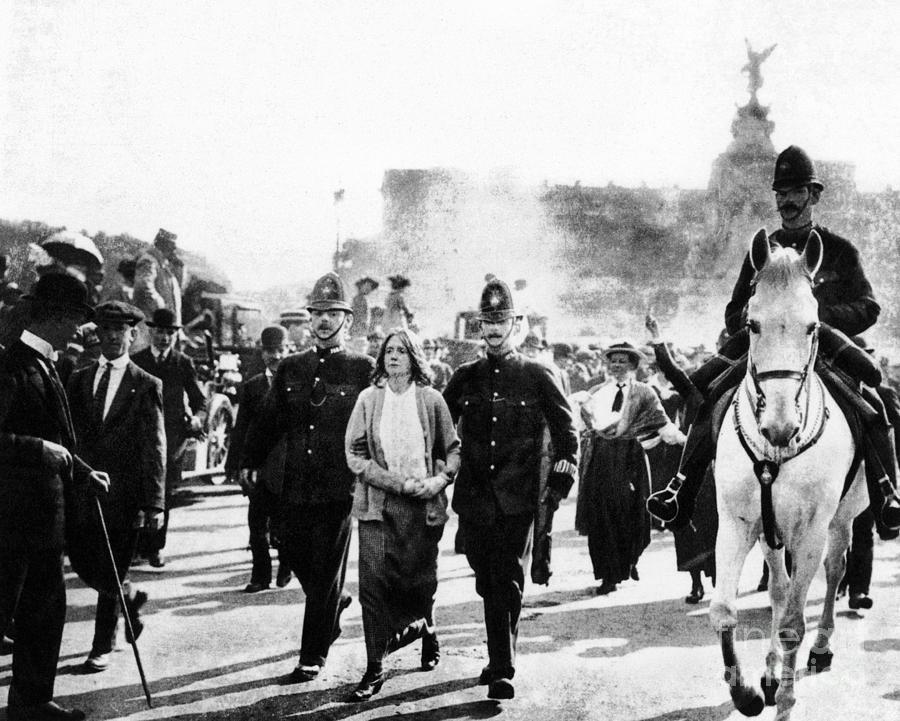 1914 Photograph - London: Suffragettes, 1914 by Granger