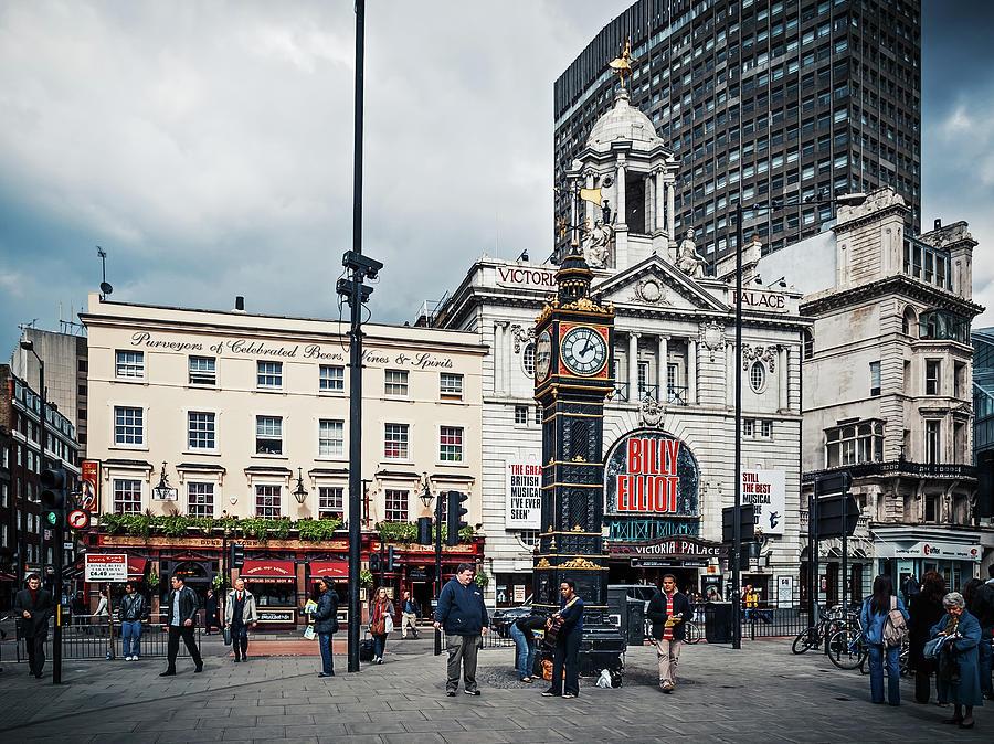 London Photograph - London - Victoria Station by Alexander Voss