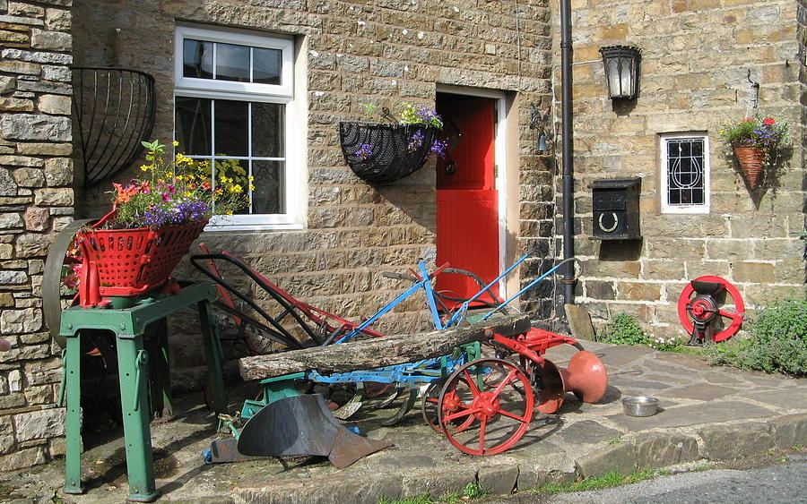 Stone House Photograph - Looking At A Old Stone House by Joyce Woodhouse