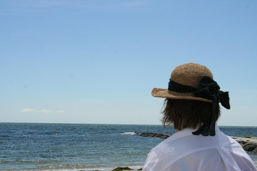 Beach Photograph - Looking Out At The Horizon by Wendy Munandi