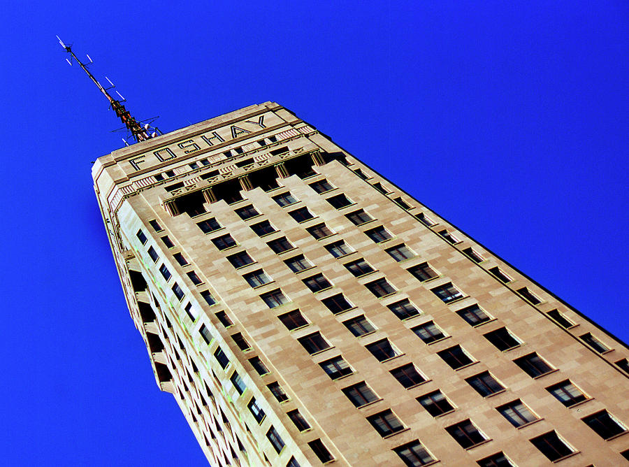 Foshay Tower Photograph - Looking Up At The Foshay Tower by Lonnie Paulson