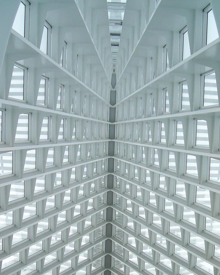 Milwaukee Photograph - Looking Up by Lauri Novak