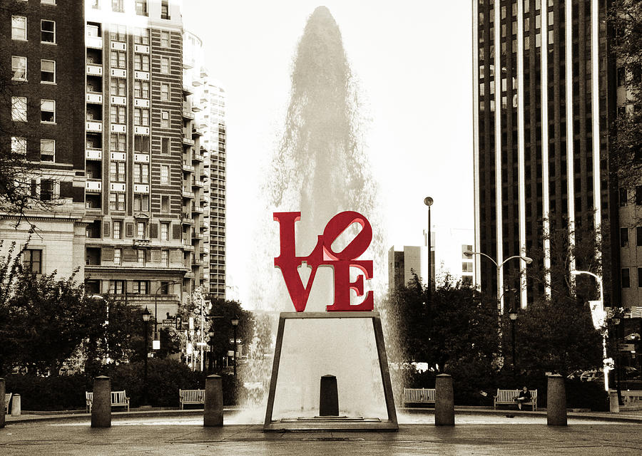 Love Photograph - Love In Philadelphia by Bill Cannon