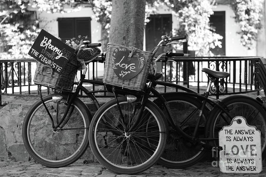 Love Photograph - Love In Saint-tropez by Tom Vandenhende
