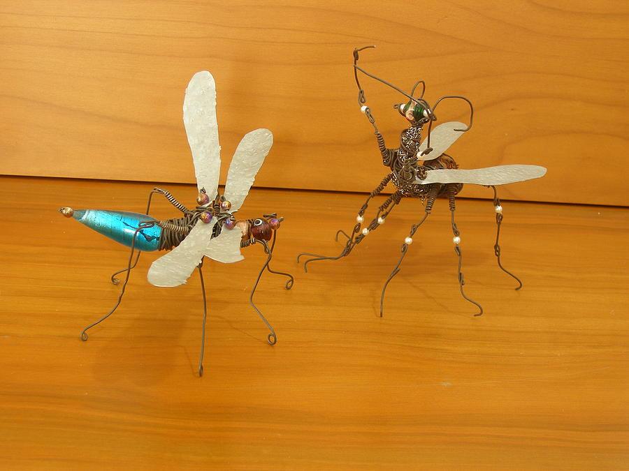 Loveing Bugs Sculpture by Gezer Coskun