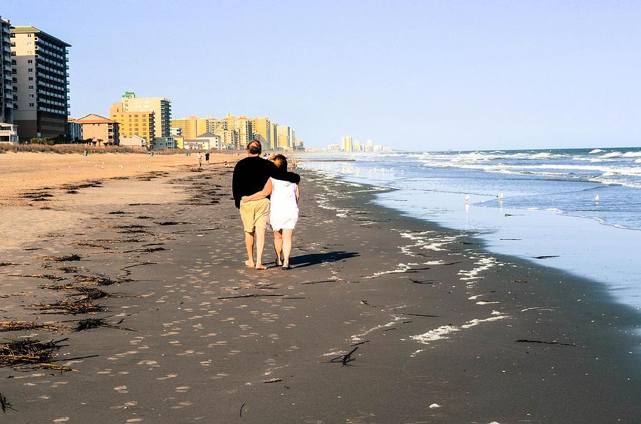 Beach Photograph - Lovers On The Beach by Tom Zukauskas