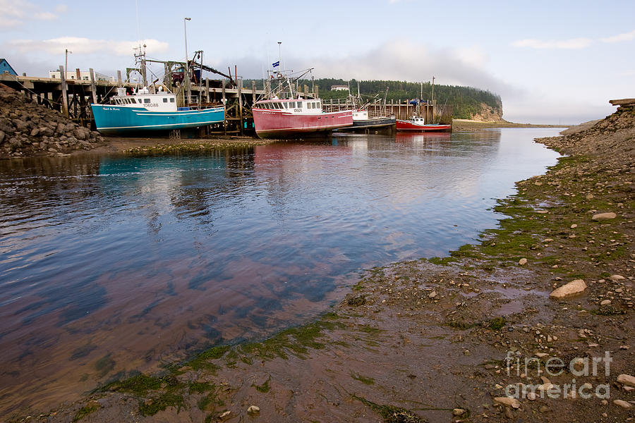 Fishing Photograph - Low Tide by Jim Mauchly
