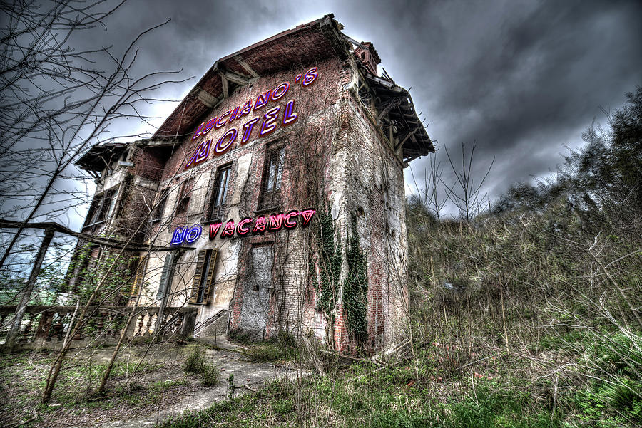 Motel Photograph - Lucianos Motel by Enrico Pelos