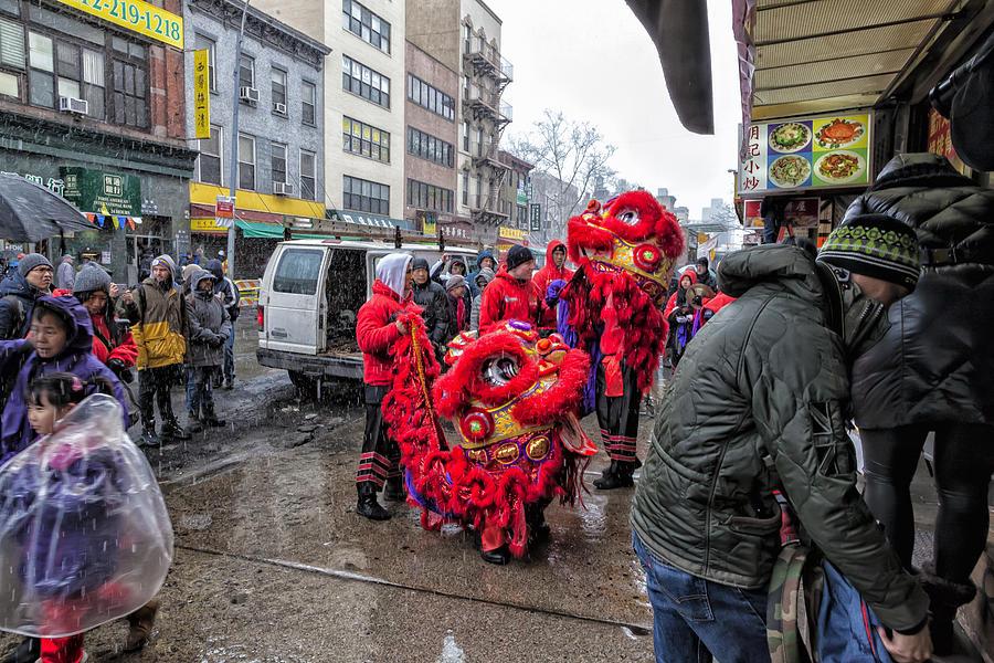 Lion Dance Photograph - Lunar New Year 2_8_16 NYC by Robert Ullmann