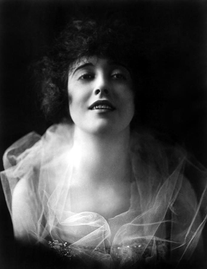 1910s Portrait Photograph - Mabel Normand, Ca. 1918 by Everett