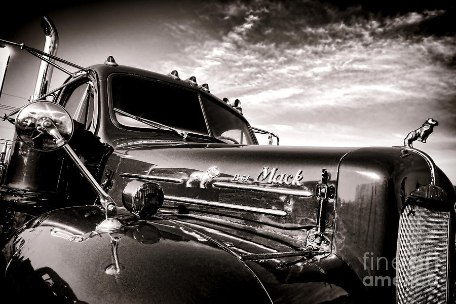 Mack Photograph - Mack B61 Ghost by Olivier Le Queinec