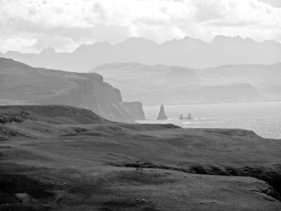Landscape Photograph - Macleods Maidens by Dan Andersson