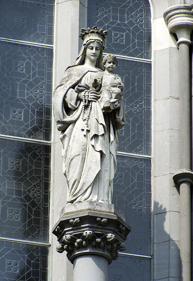 Ireland Photograph - Madonna And Child by Teresa Mucha