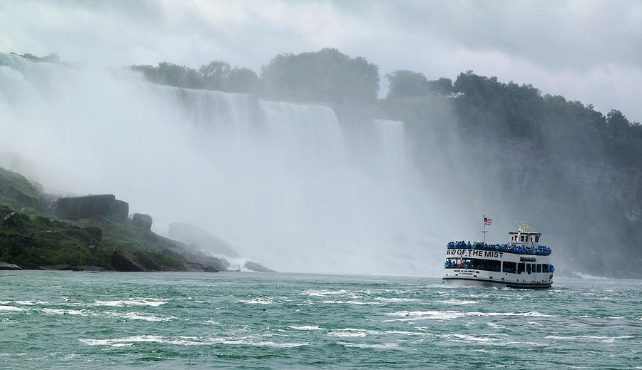 Niagara Photograph - Maid Of The Mist by Lori Rider