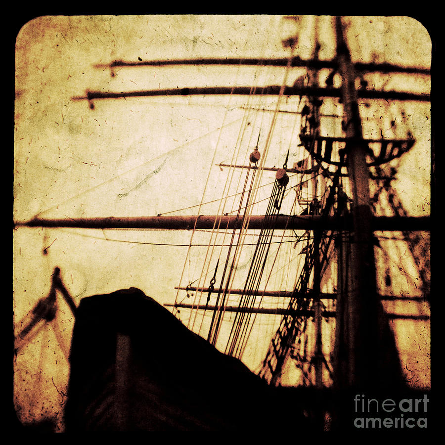 Ttv Photograph - Maiden Voyage by Andrew Paranavitana