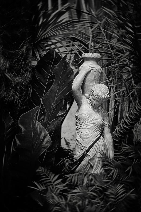 Statue Photograph - Maiden Water Bearer by Tom Mc Nemar