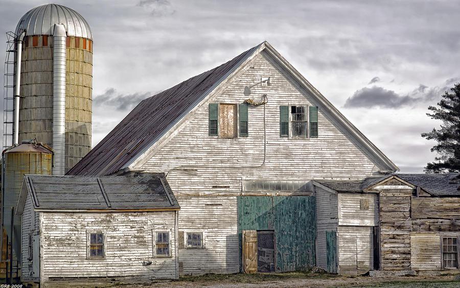Architecture Photograph - Maine Farm Barn by Richard Bean