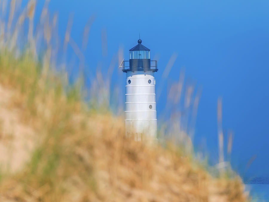 Manistee North Pierhead Lighthouse by Dan Sproul