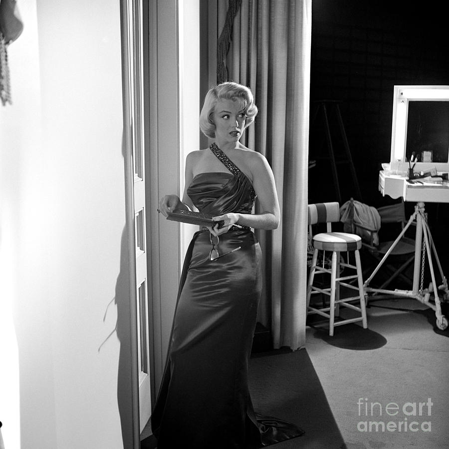 Marilyn Monroe Photograph - Marilyn Monroe On The Set Of How To Marry A Millionaire Fine Art Print by Frank Worth