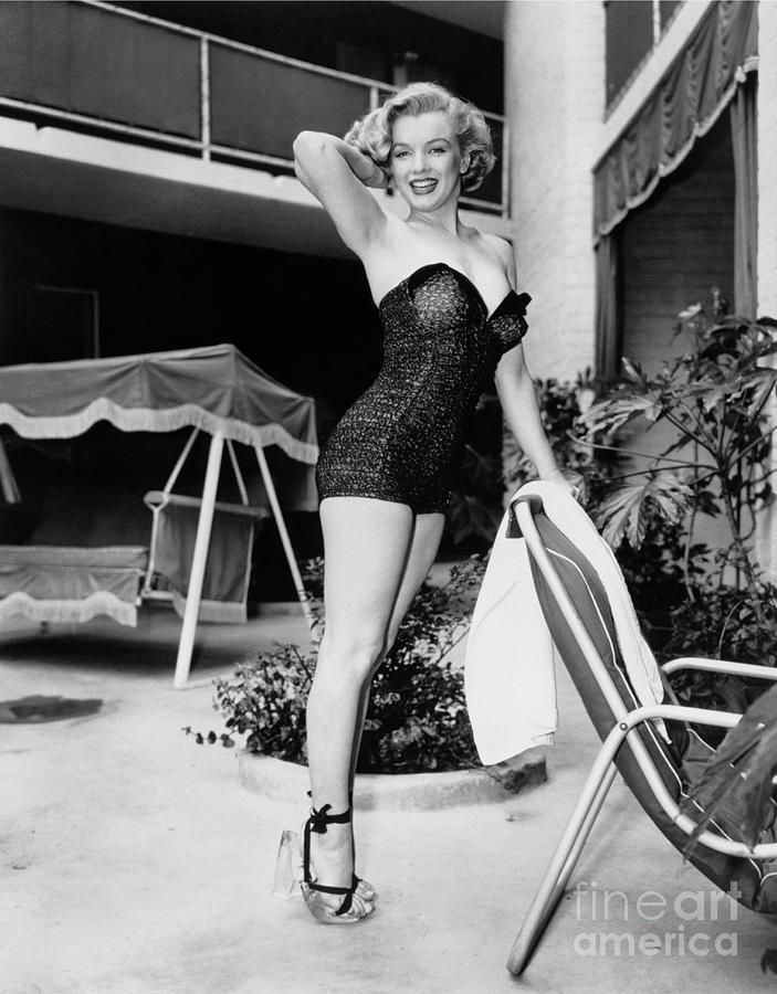 Marilyn Monroe Photograph - Marilyn Monroe Standing Poolside, Los Angeles Fine Art Print by Frank Worth