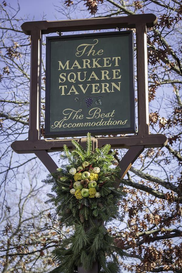 Colonial Williamsburg Photograph - Market Square Tavern Sign by Teresa Mucha