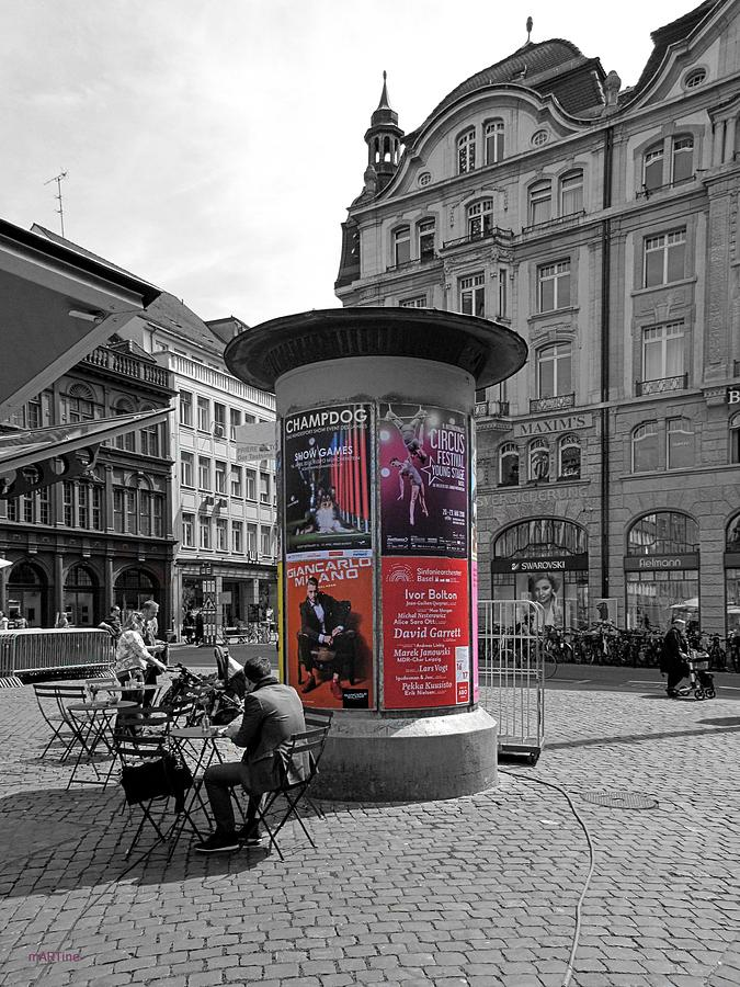Marktplatz Advertiser Photograph