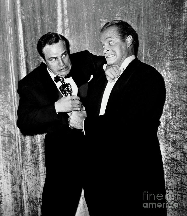 Marlon Brando Photograph - Marlon Brando And Bob Hope Fight Over Oscar Fine Art Print by Frank Worth