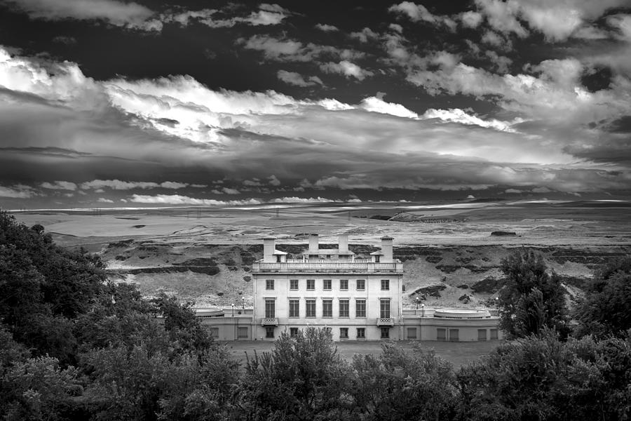 Maryhill in Monochrome by Jon Ares