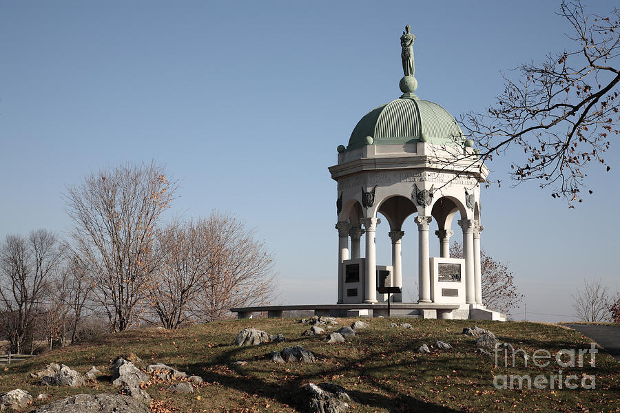 Antietam Photograph - Maryland Monument At Antietam by William Kuta