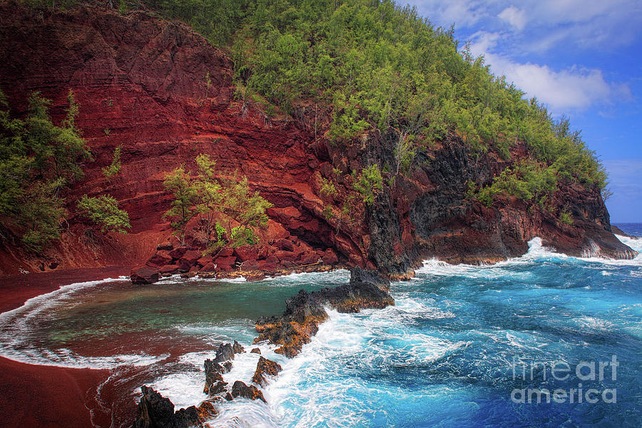 America Photograph - Maui Red Sand Beach by Inge Johnsson