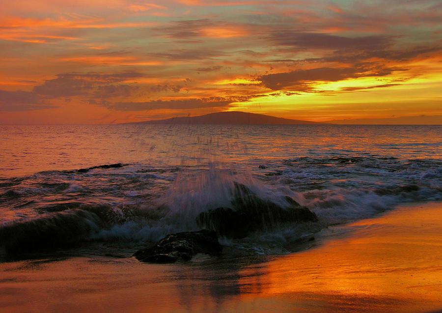Sunset Photograph - Maui Sunset Reflections by Stephen  Vecchiotti