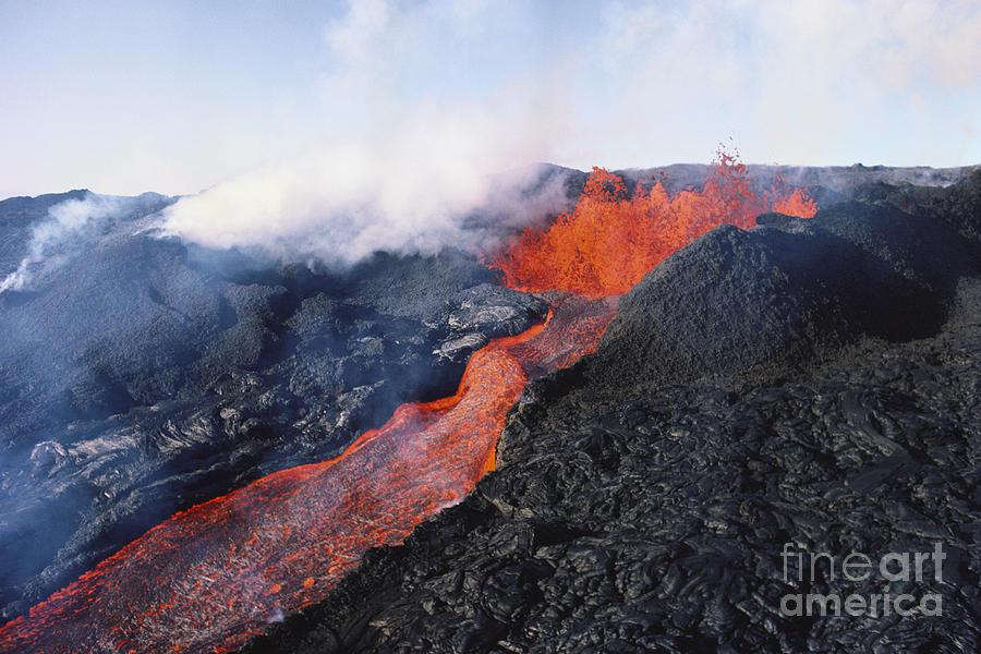 Air Photograph - Mauna Loa Eruption by Joe Carini - Printscapes