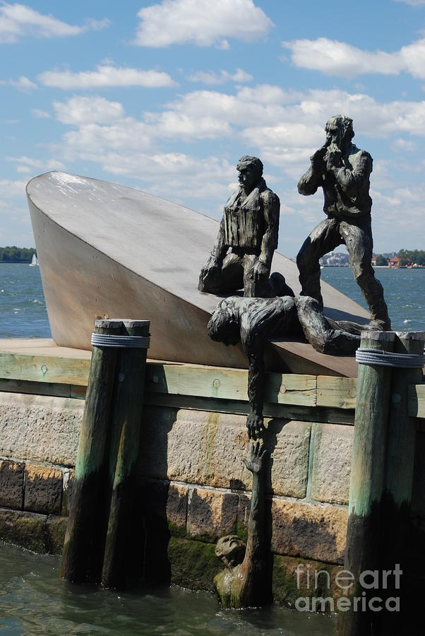Memorial Photograph - Memorial To Mariners by Tony Mills