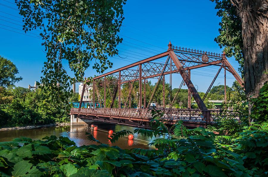 Merriam Street Bridge Photograph by Lonnie Paulson