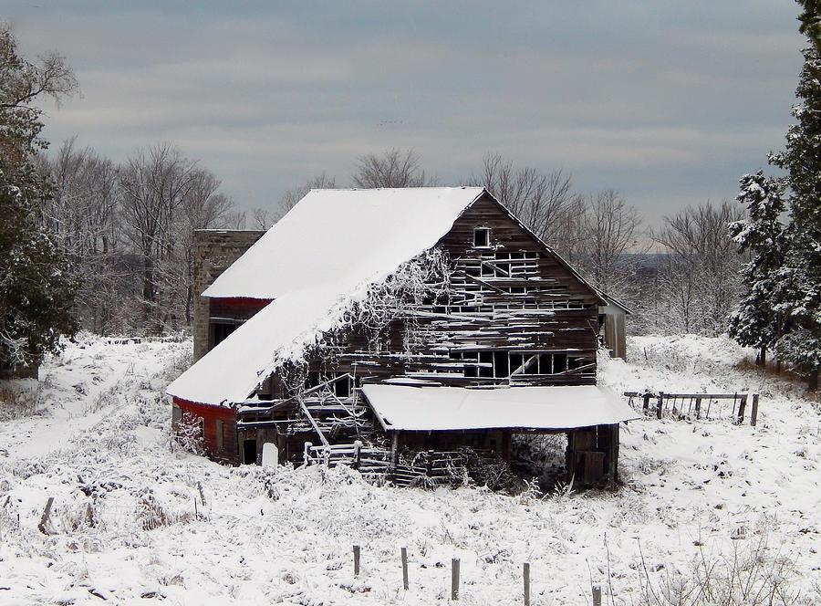 Landscape Photograph - Michigan Barn by Patrick Murphy