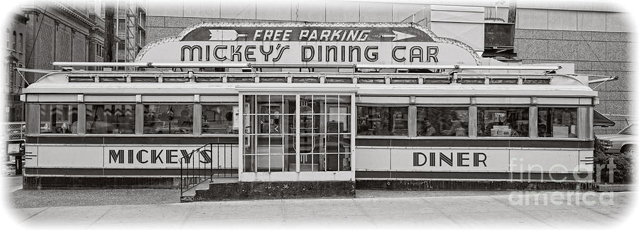 Diner Photograph - Mickeys Dining Car by Edward Fielding
