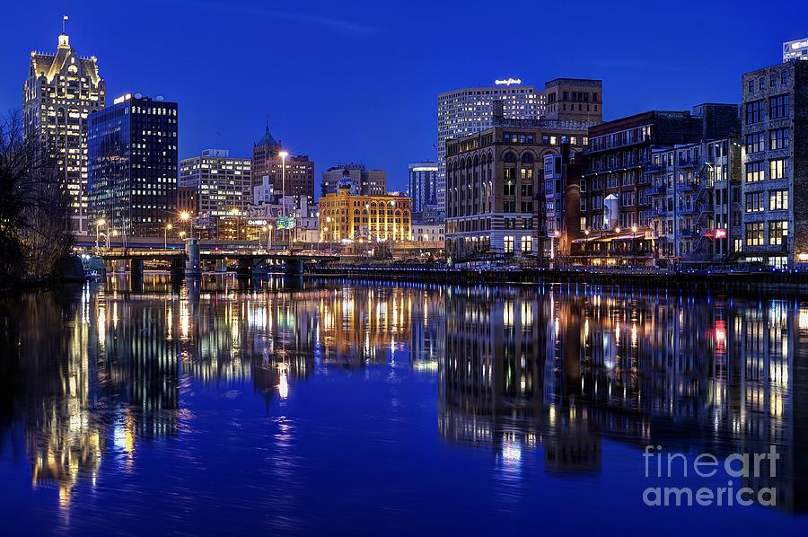 Milwaukee Photograph - Milwaukee River Twilight Winter by John December