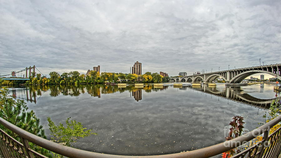 Minneapolis shoreline by CJ MAINOR