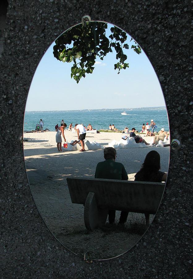 Mirror by Renata Vincoletto