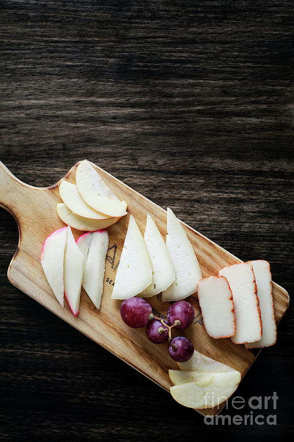 Mixed Portuguese Cheese Tapas Snack Platter With Apple And Grape