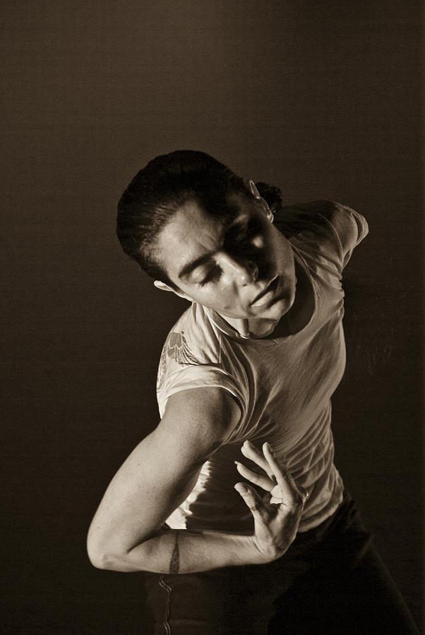Modern Dance 5 by Catherine Sobredo