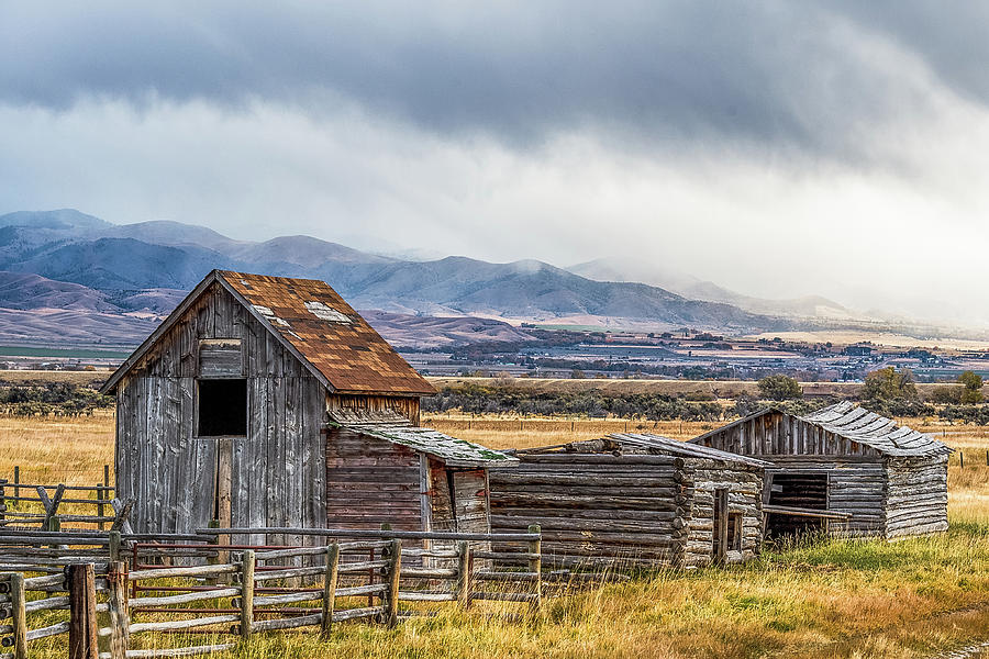 Barn Photograph - Montana Scenery by Paul Freidlund