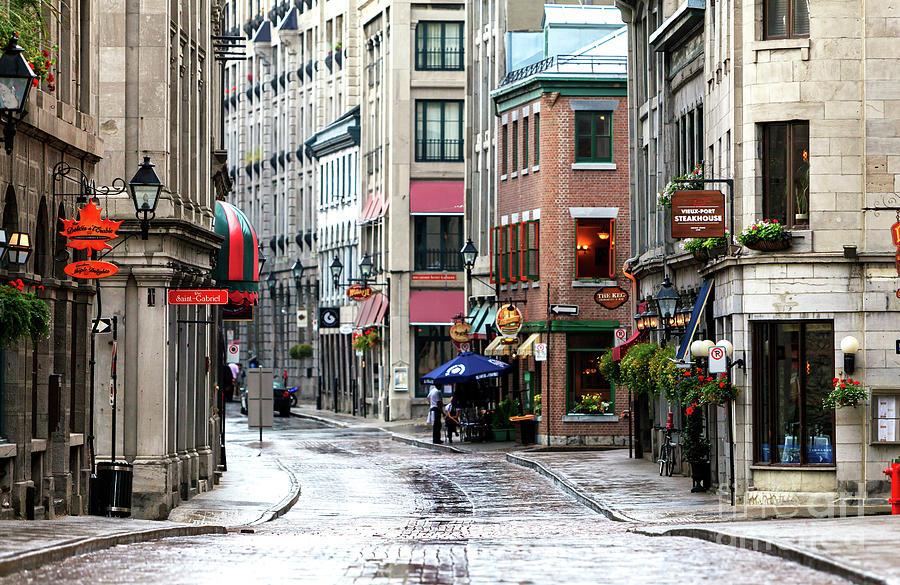 Montreal Street Scene Photograph - Montreal Street Scene by John Rizzuto